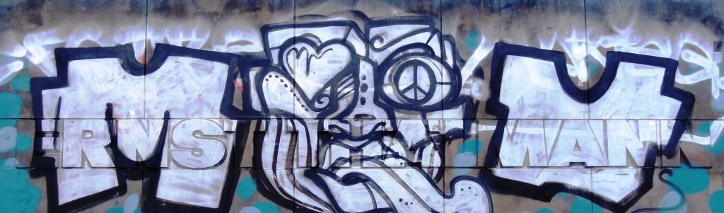 Suchrätsel: Unter dem Grafitti liegt der Name.