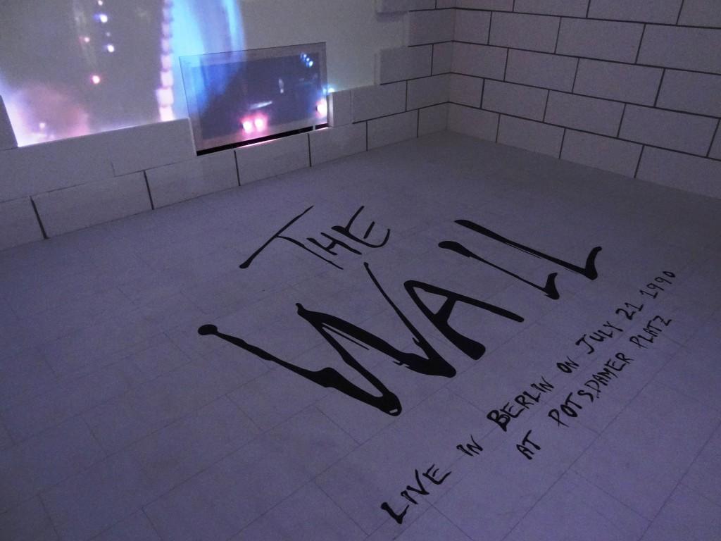 Die Mauer ist gefallen. Mit dem The-Wall-Konzert von Pink Floyd endet die Geschichte der Mauer.