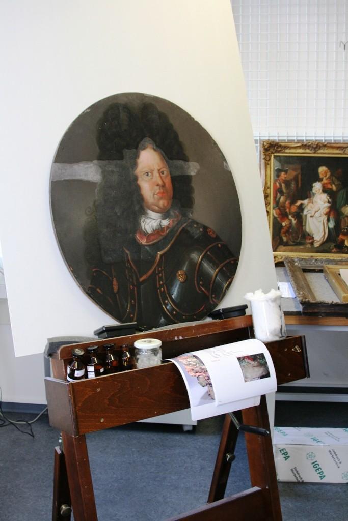 Epitaph eines thüringischen Generals, das wieder in den Ursprungszustand versetzt wird