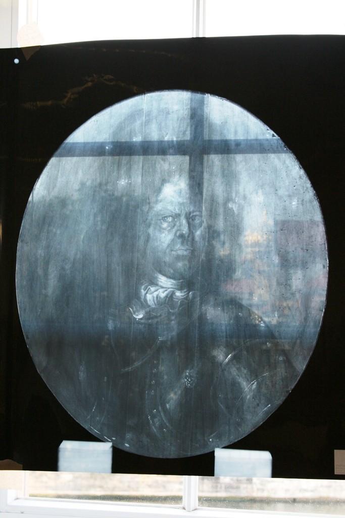 Ein Röntgenbild gibt Auskunft über den Zustand des Gemäldes